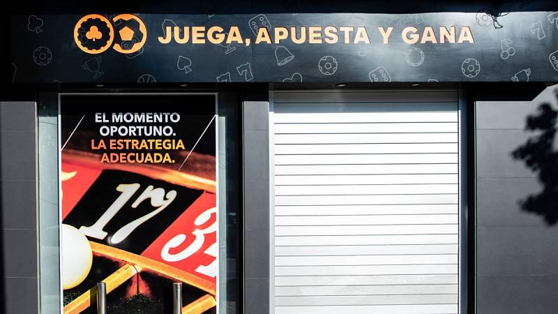 En Almadén, un pueblo de Ciudad Real, las asociaciones de padres y madres se han movilizado para tratar de impedir la apertura de un local de juego y apuestas. El establecimiento se está construyendo a pocos metros de un instituto.