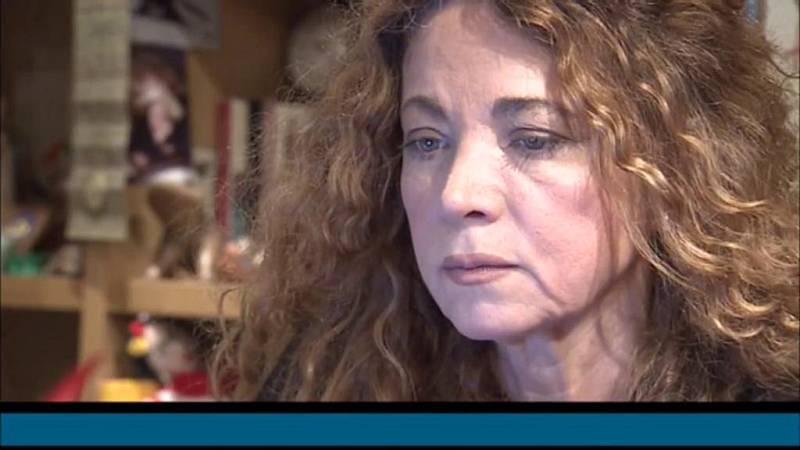Anna Cler presenta la convidada d'aquesta setmana del programa 'Noms Propis', l'escriptora Ángela Becerra