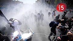 Boletines RNE - El presidente de Chile destituye de golpe a ocho de sus ministros