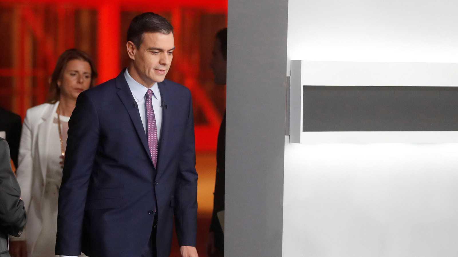 """Sánchez dice cómo traerá a Puigdemont ante la justicia española: ¿La fiscalía depende del Gobierno?... """"pues ya está"""""""