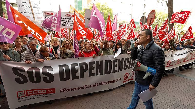 Trabajadores de la dependencia se movilizan en Madrid para exigir mejoras salariales