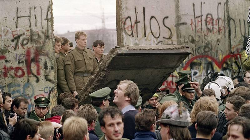 La historia del Muro de Berlín es una historia de miradas