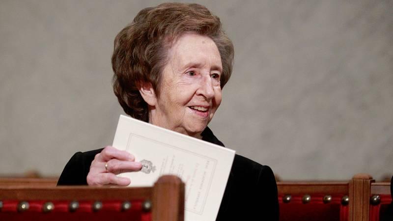 Este viernes ha sido incinerada la científica Margarita Salas, fallecidaa los 80 años. Políticos y colegas de quien fue una de las figuras más relevantes en la investigación en España se han acercado al tanatorio de Alcobendas, en Madrid, donde han