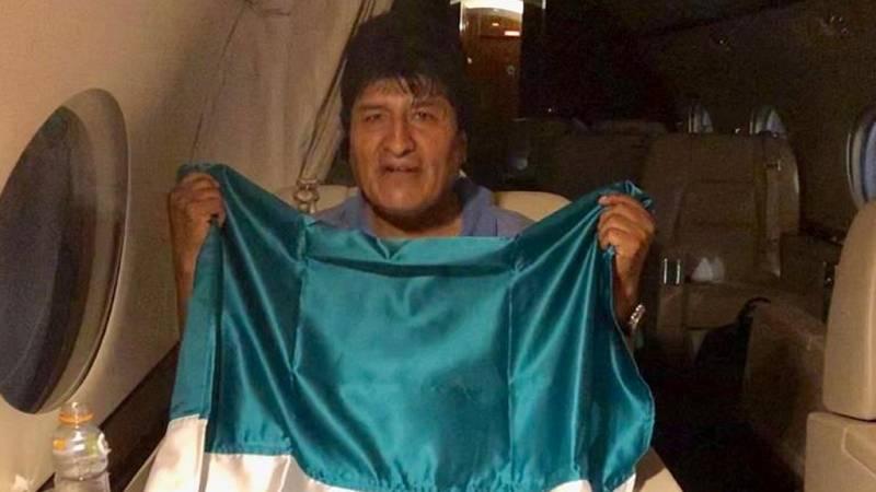 Evo Morales se refugia en México tras su dimisión