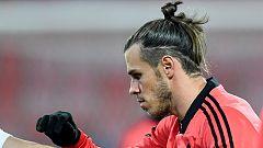 Bale entrena con Gales un mes después de su lesión