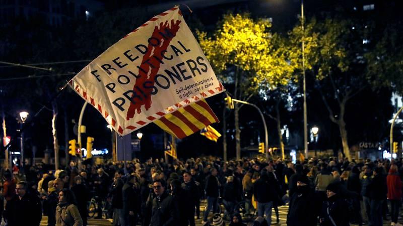 Manifestantes convocados por los CDR colapsan varios puntos de Barcelona