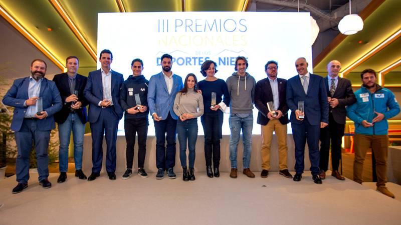 La RFEDI ha entregado los III Premios Nacionales de los Deportes de Nieve. En un acto celebrado en las renovadas instalaciones de la estación de nieve indoor, deportistas e instituciones se han reunido para galardonar a los mejores de la temporada.
