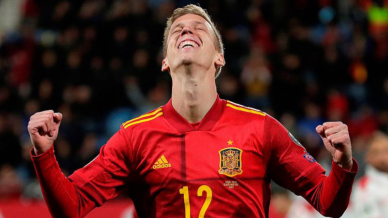"""Dani Olmo, debutante con la selección española de fútbol contra Malta, ha dicho que está muy """"feliz"""" por poder estar con la selección y ha dicho que en el partido ha intentado """"disfrutar al máximo""""."""