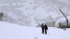 Los esquiadores celebran la llegada anticipada de la nieve