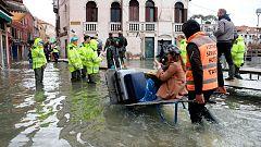 El agua del mar vuelve a inundar Venecia este domingo