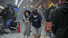 Al menos 38 heridos en los disturbios entre policía y manifestantes en la Universidad de Hong Kong