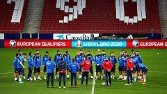 """Cosmin Contra: """"Se va a ver a Rumanía joven y alegre en el Metropolitano"""""""