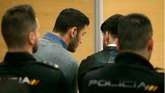 Tres años de prisión para dos de los cinco miembros de La Manada por grabar y tomar fotos de la violación
