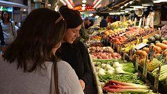 Los supermercados ganan terreno al pequeño comercio y los mercados de abastos