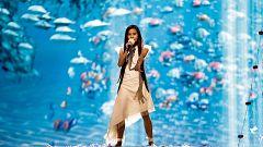 Así es el vestido de Melani, un diseño hecho con tejido reciclado que además es 100% reciclable.