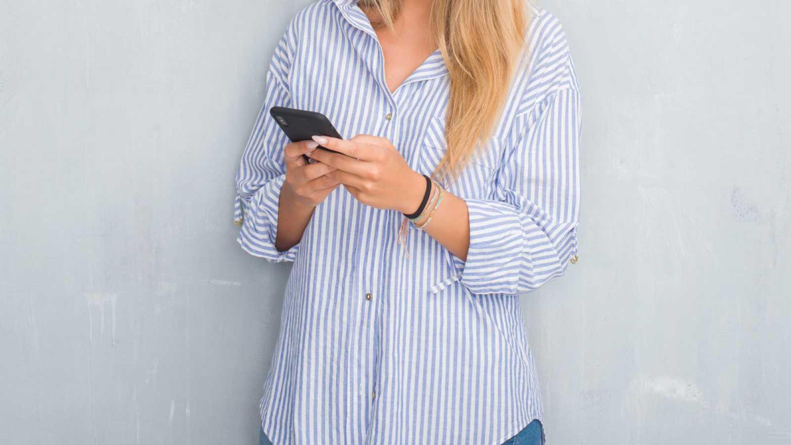 Revisar las Apps del móvil y el consumo de datos, recomendaciones de la AEPD para víctimas de violencia machista