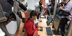 En lengua de signos- 28 líneas braille para niños sordociegos de FOAPS