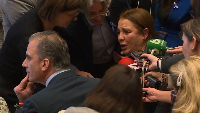 Mujeres contra la violencia de género se encaran con el portavoz de Vox en el Ayuntamiento de Madrid