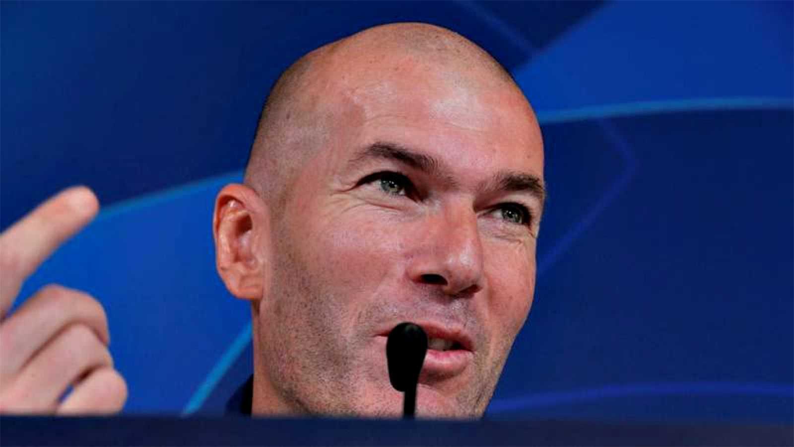 El Real Madrid busca sellar con un triunfo su pase a octavos de final tras un turbulenta fase de grupos de la Liga de Campeones, ante un PSG que certificaría su primer puesto puntuando en el Santiago Bernabéu, donde nuevamente aterriza el deseado Kyl