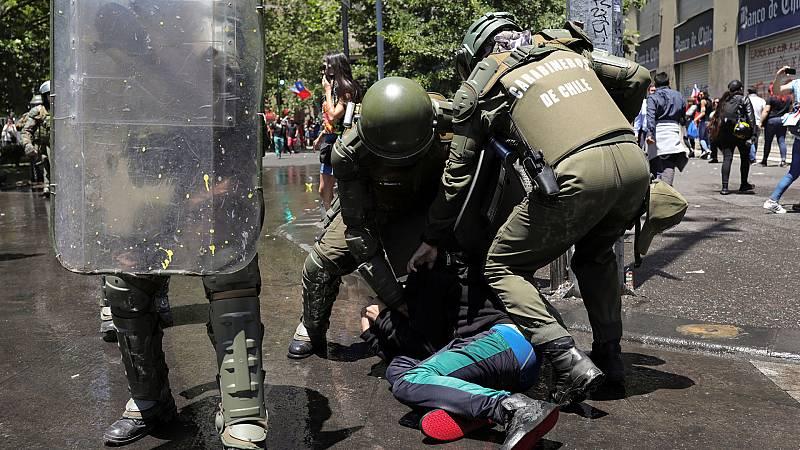 """La policía cometió """"graves violaciones de derechos humanos"""" según denuncia HRW en un informe publicado este martes en Santiago de Chile"""