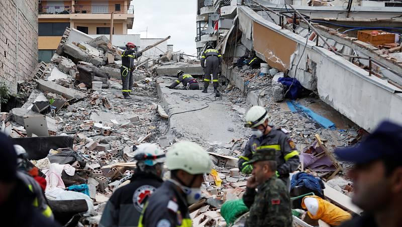 La cifra de muertos por el terremoto de Albania se eleva a 40 mientras continúan las labores de búsqueda