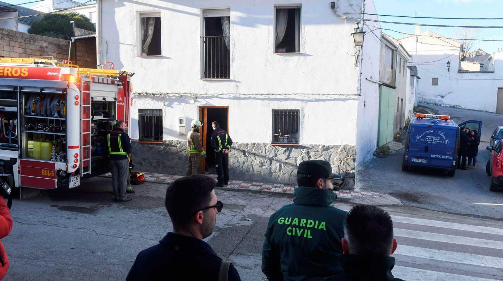 Tres muertos en un incendio provocado por un brasero en Dehesas Viejas, Granada