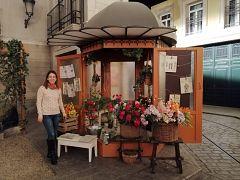 La ganadora del concurso de redes sociales visita el rodaje de 'Acacias 38'