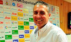 """Carlos Viver, sobre las Guerreras: """"Estoy muy contento con la evolución del equipo"""""""