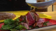 Aquí la tierra - Fusionamos la gastronomía vasca-oriental para cocinar un atún