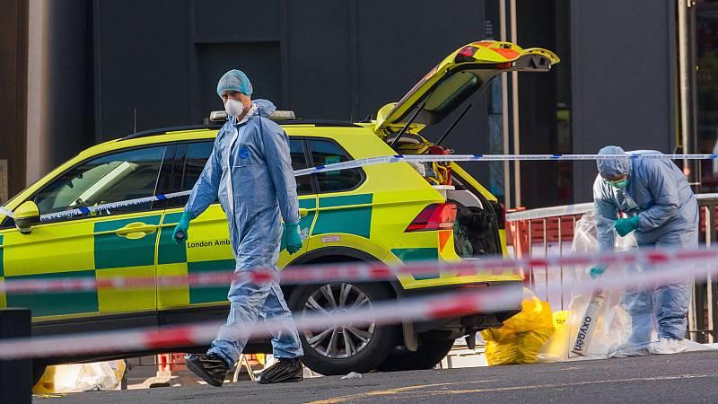 La Policía registra la casa del terrorista abatido en Londres y continúa analizando el lugar del atentado