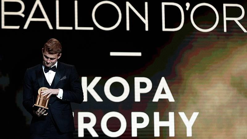De Ligt gana el premio Kopa