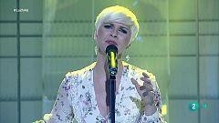 """Pasión Vega interpreta """"Todo lo que tengo"""" en La 2 Noticias"""