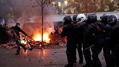 Cargas policiales en París durante la huelga contra la reforma de las pensiones