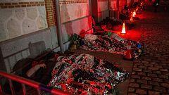 Cientos de personas duermen a la intemperie en Madrid para visibilizar el drama de los sintecho