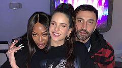Corazón - La cantante Rosalía y Naomi Campbell se encuentran en un mismo escenario