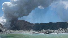 La erupción del volcán de Nueva Zelanda deja al menos cinco muertos y ocho desaparecidos