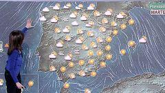 Viento fuerte en el norte peninsular, nieblas en el interior y descenso de las temperaturas