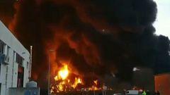 Un incendio en una empresa de Montornès (Barcelona) activa el Plan de Emergencias Químicas