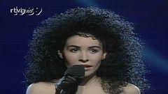 "Eurovisión - Nina interpreta ""Nacida para amar"" el Festival de Eurovisión de 1989"