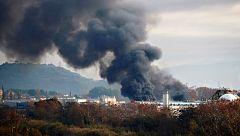 Un incendio en una planta de reciclaje de Barcelona obliga a desalojar a 250 personas