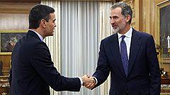 """Sánchez recibe el encargo del rey para la investidura """"con honor"""" y anuncia reuniones con todas las fuerzas políticas"""