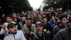 Los argelinos eligen al sucesor de Buteflika entre nuevas protestas por el rechazo de la oposición a los comicios