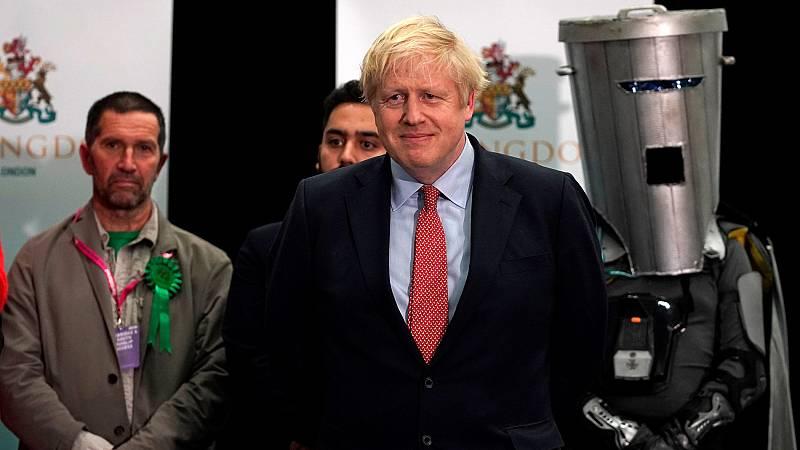 Boris Johnson recupera la mayoría absoluta para los conservadores en las elecciones del Reino Unido, según los sondeos