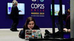 """La Cumbre del Clima afronta su jornada final con negociaciones """"in extremis"""""""
