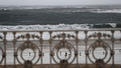 Numerosas incidencias en el País Vasco por el temporal de viento y olas