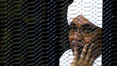 Un tribunal condena al expresidente de Sudán Al Bashir a dos años de confinamiento por corrupción