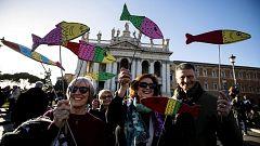 Decenas de miles de 'sardinas' se manifiestan en Roma contra las políticas de la ultraderecha