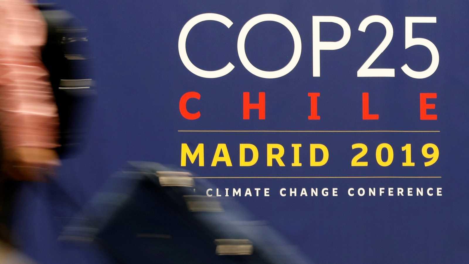 El cierre de la Cumbre del Clima se retrasa por las discrepancias entre las partes