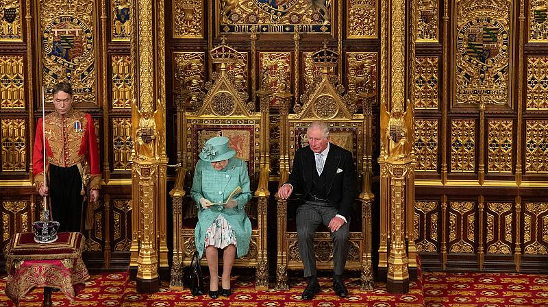 El 'Brexit', objetivo de Johnson, en boca de la reina