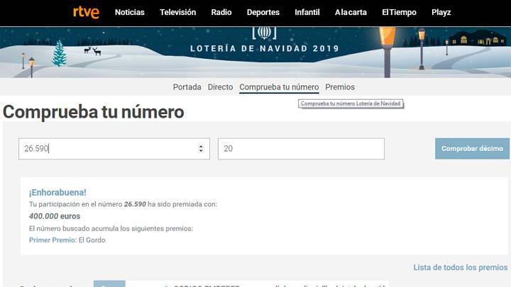 Ganadores del Gordo de la Lotería de Navidad de un centro aragonés de Reus lo celebran cantando una jota